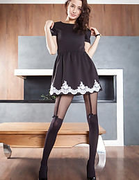 Deitua featuring Layna by Ron Offlin