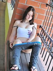 This 100% Russian girl was born in the US, but can read < speak the language, even has the accent! She's a physically fit girl, with the firme